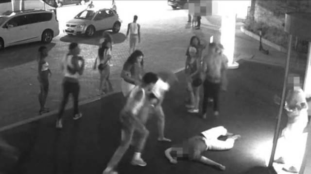 Black mob attacks white man in D.C.