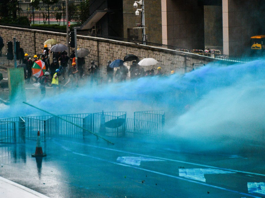 2 Minute Video – What  Hong Kong Does To Rioters & They Will Catch Them!