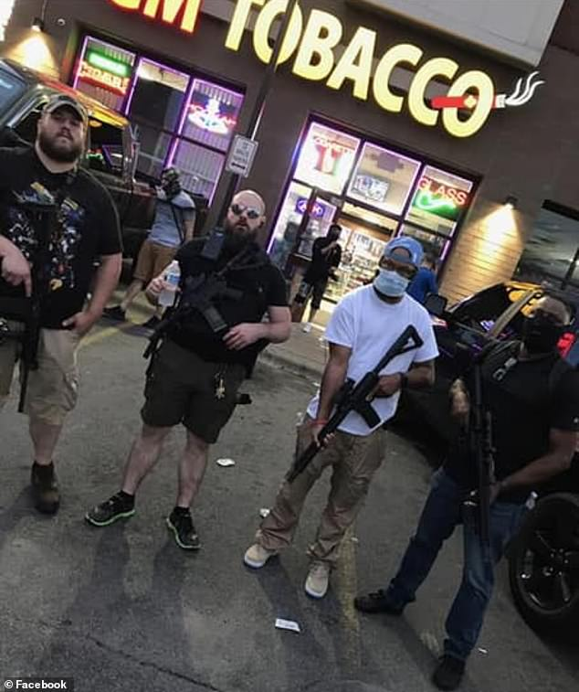 Video – Armed Rednecks Defend Stores & Store Owners From Looters.